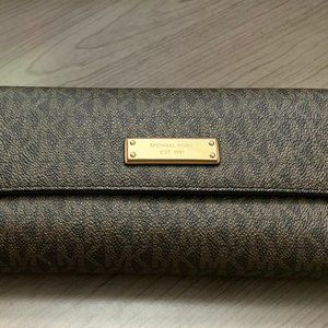 Michael Kors Checkbook Wallet (USED)